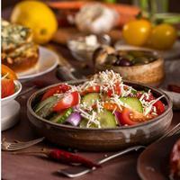 Shopska Salad, makanan khas Bulgaria. (dok. Instagram @philupwithfood/https://www.instagram.com/p/BpUXR1MA_E4/Henry