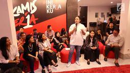 "Menko PMK Puan Maharani berbagi cerita pada talk show bertema ""Human Development Empowering Women in Today's Society"" di Kerja @86 Hub, Jakarta, Kamis (21/2). Talkshow dihadiri pembicara perempuan dan generasi milenial. (Liputan6.com/Fery Pradolo)"