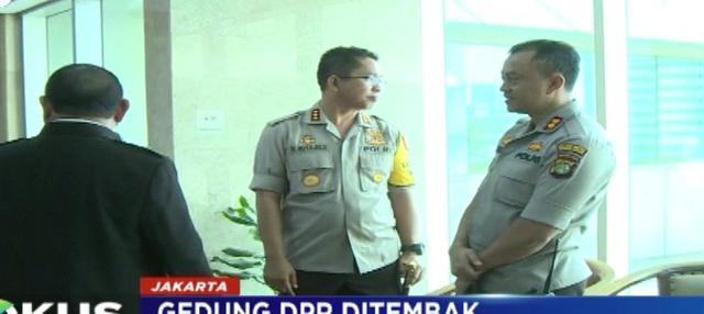 Hingga hari Kamis, tercatat ada tujuh ruangan yang terkena peluru nyasar yang diduga berasal dari Lapangan Tembak Senayan.