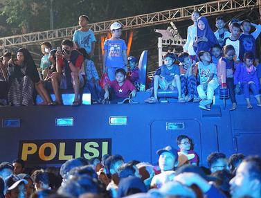 Antusiasme Warga Ramaikan HUT DKI Jakarta
