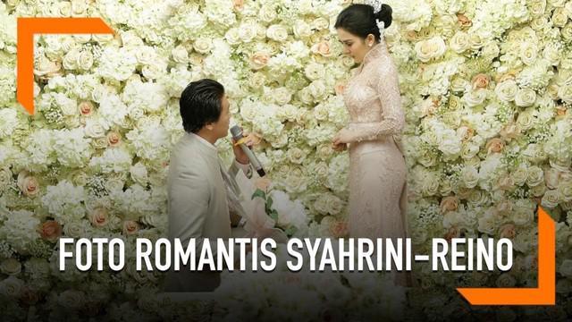 Pasangan Syahrini-Reino Barack mulai menunjukkan momen kebersamaan mereka di media sosial.