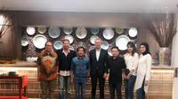 Para pemain dan kru film Mengejar Surga bertemu Dubes Belanda untuk Indonesia