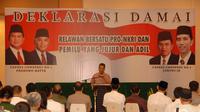 Relawan Jokowi-Prabowo menggelar acara deklarasi damai jelang pengumuman pemenang Pemilu Presiden 2014. (Liputan6.com/Miftahul Hayat)