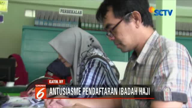 Ruang seksi penyelenggara haji dan umroh kantor Kemenag Kabupaten Klaten, Jawa Tengah, terus didatangi jemaah untuk mendaftarkan diri guna menunaikan ibadah haji.