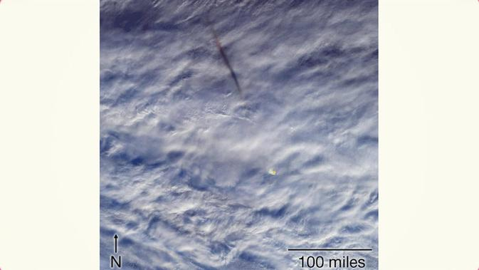 NASA Abadikan ledakan meteor di atas Laut Bering (Credit: NASA/GSFC/LaRC/JPL-Caltech, MISR Team)