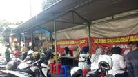 Suasana warung Mi Ayam Kobar Jaya selalu ramai setiap hari. Foto: Yanuar H/ Liputan6.com.
