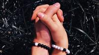 Distance Bracelets, gelang untuk pasangan yang menjalani LDR. (dok.Instagram @bsd.id/https://www.instagram.com/p/BoeGZMABDEz/Henry