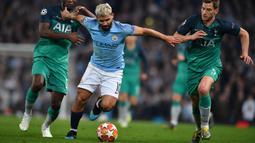 2. Sergio Aguero (Manchester City) - Pada musim 2015-2016, Aguero dipercaya untuk mengenakan nomor punggung 10. Ia menjadi andalan mesin gol skuat The Citizens. (AFP/Ben Stansall)