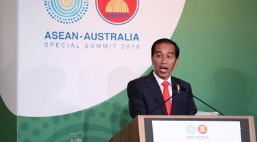 Presiden Joko Widodo berbicara di Forum CEO Lunch saat pertemuan ASEAN-Australia Special Summit 2018 di Sydney (17/3). Jokowi pidato di depan ratusan CEO, pelaku usaha kecil dan menengah di ASEAN-Australia Bussiness Forum.(Mark Metcalfe/Pool Photo via AP)