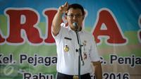Gubernur DKI Basuki Tjahaja Purnama atau Ahok memberi sambutan pada peresmian Ruang Publik Terpadu Ramah Anak (RPTRA) di Pejagalan, Jakarta, Rabu (6/4). (Liputan6.com/Faizal Fanani)
