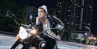 Siwon Super Junior, telah menjalani kewajibannya sebagai pria dewasa di Korea, yakni ikut serta dalam kegiatan Wajib Militernya. Namun kini Siwon telah selesai memenuhi berbagai tugasnya selama 21 bulan. (Instagram/siwonchoi)