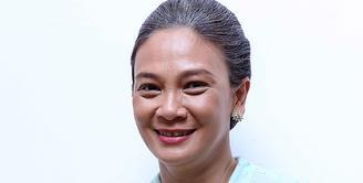 Aktris senior, Dian Nitami kembali muncul dalam layar lebar. Istri Anjasmara ini bermain dalam film 'Rudy Habibie'. (Nurwahyunan/Bintang.com)