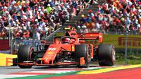 Pembalap Ferrari Charles Leclerc beraksi pada balapan Formula One (F1) GP Austria di Red Bull Ring, Spielberg, Minggu (30/6/2019). (AFP/Joe Klamar)