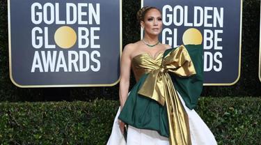 Berpita Besar, Gaun Jennifer Lopez di Golden Globe 2020 Jadi Guyonan Warganet