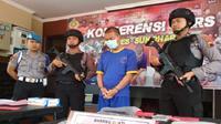 Paman bejat berinisial IS (33), warga Grogol, Sukoharjo ditangkap polisi lantaran tega mencabuli keponakannya sendiri yang baru berusia 14 tahun. (Solopos.com/ Indah Septyaning)