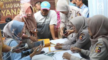 Keluarga Korban  Pesawat Lion Air Datangi RS Polri