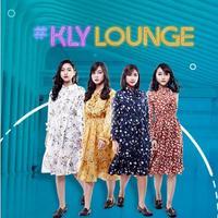 Ngobrol dan menyaksikan aksi JKT48 Acoustic bisa kamu lakukan di sini.