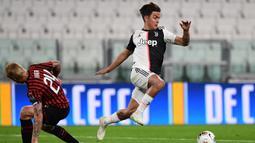 """2. Paulo Dybala. Striker Juventus ini mengenakan kaos kaki rendah untuk menunjang mobilitas kecepatannya di lapangan yang mampu meliuk-liuk, sehingga banyak orang menyebutnya sebagai """"Messi Baru"""". (AFP/Miguel Medina)"""