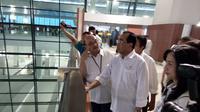 Menhub Budi Karya meninjau kesiapan Terminal 3 Bandara Soetta untuk melayani rute internasional. (Liputan6.com/Ilyas Istianur P)