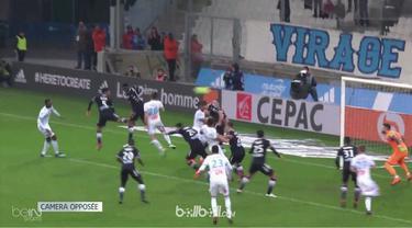 Florian Thauvin memastikan Marseille tetap menempel ketat penghuni posisi dua klasemen, Monaco dengan gol sundulan langka saat mem...