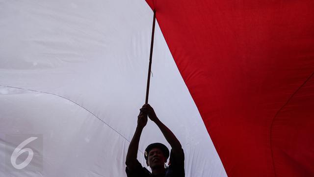 53 Gambar Pengibaran Bendera Merah Putih Kekinian