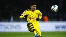 2. Jadon Sancho - Jadon Sancho menjadi incaran banyak klub raksasa saat ini berkat penampilan apiknya bersama Borussia Dortmund. Pemain asal Inggris ini bisa menjadi penggati Lionel Messi bila hengkang dari Barcelona. (AFP/Odd Andersen)