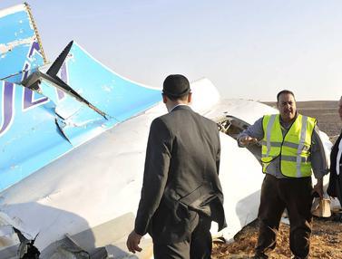 20151101-Beginilah Kondisi Pesawat Rusia Yang Jatuh di Pegunungan Sinai Mesir
