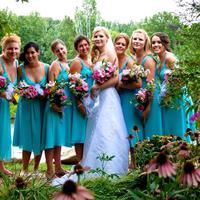 Kalian pasti akan mupeng bila melihat gown bridesmaid ini, atau mungkin mau langsung nikah aja? haha