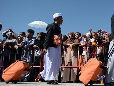 Jemaah Calon Haji Thailand Mulai Bertolak ke Mekah