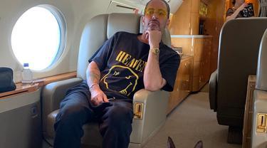 Marc Jacobs Dituduh Duplikasi Logo Nirvana di Koleksi Busananya
