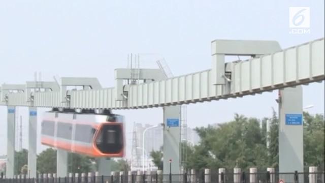 Kereta gantung tercepat di China dioperasikan pada 21 Juli.