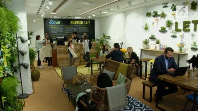 The rubbish cafe menawarkan konsep menukarkan sampah plastik dengan makanan minuman gratis