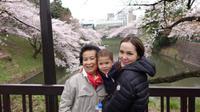 Di tengah proses cerai, Cathy Sharon liburan bersama keluarga suami ke Jepang[foto: instagram/cathysharon]