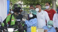 Aplikasi tele health di Indonesia, Halodoc, bersama dengan super apps terkemuka di Asia Tenggara, Gojek, membuka pos pelayanan vaksinasi Covid-19 drive thru di Candi Prambanan.