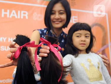 Peduli Kanker, Puluhan Pendonor Donasikan Rambutnya