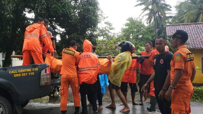 Korban banjir bandang Tasikmalaya (Liputan6.com/Jayadi Supriadin)