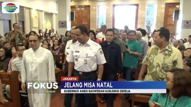 Gubernur DKI Jakarta Anies Baswedan hadiri misa Natal di Gereja Katedral, Jakarta Pusat.