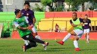 Ferdinand Sinaga mengikuti latihan PSM Makassar di Stadion Andi Mattalatta Mattoangin, Makassar, Rabu sore (21/3/2018). (Bola.com/Abdi Satria)