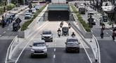 Kendaraan melintasi Underpass Senen Extension, Jakarta, Rabu (2/12/2020). Pemprov DKI Jakarta melakukan uji coba tahap dua Underpass Senen Extension mulai 2-9 Desember 2020. (merdeka.com/Iqbal S. Nugroho)