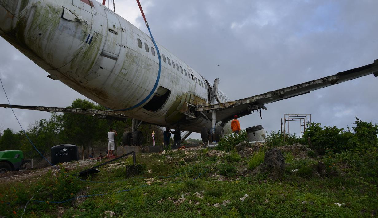 Pesawat Jet Bekas Dipinggir Tebing Viral, Bali Jadi Perhatian Dunia