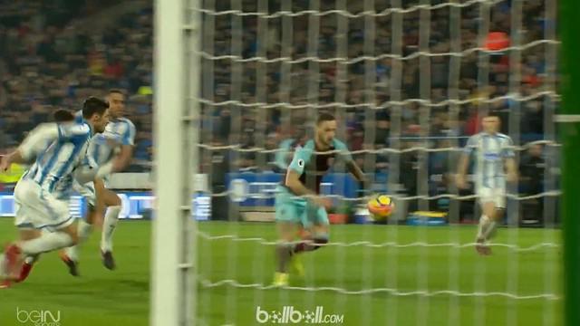 Berita video gol mengesankan pemain Huddersfield, Joe Lolley, saat hadapi West Ham United. This video presented by BallBall.
