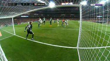 Berita video highlights Real Madrid vs Real Betis dalam lanjutan Liga Spanyol, Senin (13/3) dinihari WIB. This video presented by Ballball.