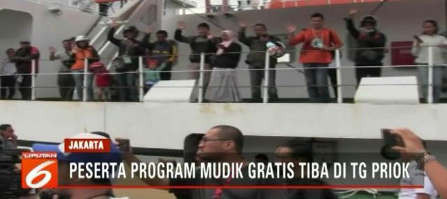 pemudik yang berasal dari Jawa Tengah diangkut dengan tiga kapal dari Pelabuhan Tanjung Emas, Semarang, dalam program mudik dan balik gratis.