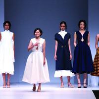 Koleksi Peggy Hartanto di fashion show Indonesia Fashion Forward untuk Jakarta Fashion Week.