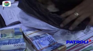 Seorang pengemis di Jember, Jawa Timur, terjaring razia jelang Ramadan. Saat didata, dirinya ternyata diketahui memiliki uang pecahan senilai lebih dari Rp 15 juta.