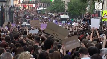 Kemarahan merebak di seantero Spanyol lantaran rendahnya hukuman bagi para pelaku pemerkosaan massal.