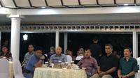 Wapres Jusuf Kalla nobar debat di rumah dinas.