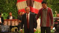 Politisi Senior Sabam Sirait saat merayakan HUTnya yang ke-80 di Jakarta, Sabtu (15/10). Memasuki usia ke-80 Sabam memberikan masukan agar Indonesia tetap menjaga kerukunan dan persatuan bangsa. (Liputan6.com/Angga Yuniar)