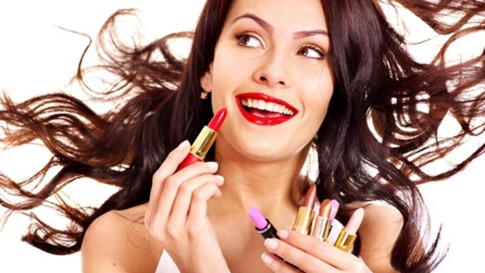Pilihan Riasan ke Kantor ala Makeup Artist: Simpel dan