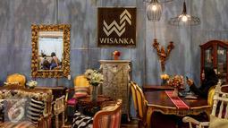 Aneka furniture dan mebel di pamerkan dalam Trade Expo Indonesia 2016 di JIExpo Kemayoran, Jakarta, Kamis (13/10). TEI 2016 menjadi media bagi pengusaha dalam dan luar negeri untuk memamerkan dan mempromosikan produk mereka. (Liputan6.com/Faizal Fanani)